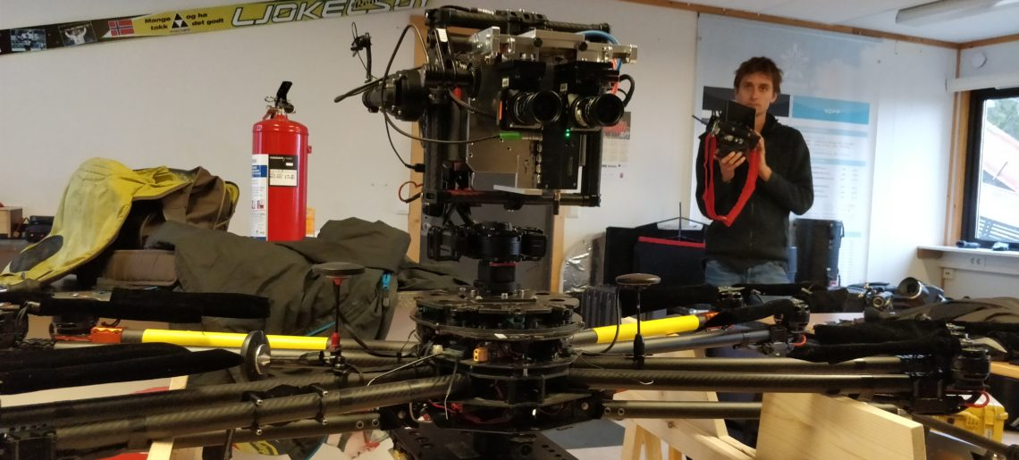 Condor trägt 3d-Stereo Actioncam Setup